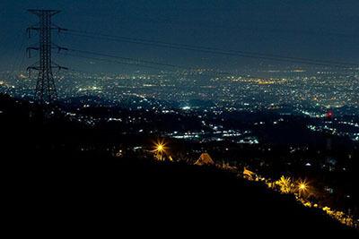 Bukit-Moko-malam-hari