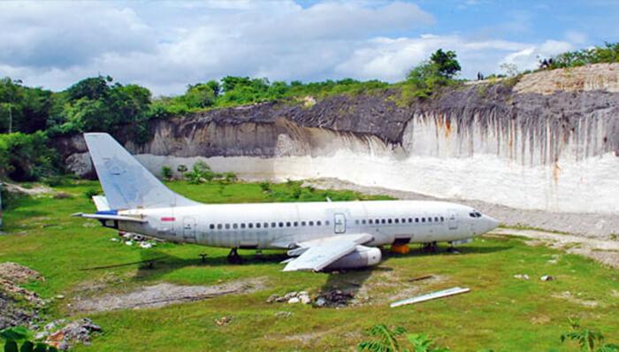 Bangkai Pesawat, Uluwatu